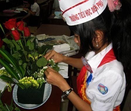 images hoithiphutrachsaogioi2011 hoi thi phu trach sao gioi 2011 2 - Hội thi Phụ trách sao giỏi năm học 2010 - 2011: Hội đồng Đội thị xã Ninh Hòa đoạt giải nhất toàn đoàn