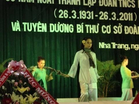 images hoitrai2011 DSC00195 - Lễ kỷ niệm 80 năm thành lập Đoàn TNCS Hồ Chí Minh và tuyên dương 80 Bí thư cơ sở Đoàn xuất  sắc