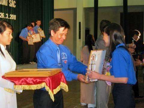 images lekyniem80nam IMG 0449 - Lễ kỷ niệm 80 năm thành lập Đoàn TNCS Hồ Chí Minh và tuyên dương 80 Bí thư cơ sở Đoàn xuất  sắc