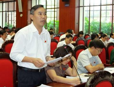 Phung Duc Tien 010c6 - Cần làm rõ vai trò thống lĩnh lực lượng vũ trang của Chủ tịch nước