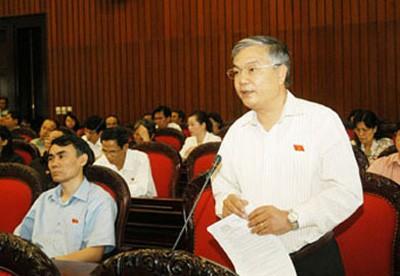phamducchau 010c6 - Cần làm rõ vai trò thống lĩnh lực lượng vũ trang của Chủ tịch nước