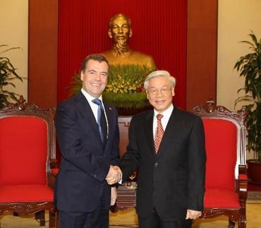 tong20bi20thu - Lãnh đạo Đảng, Nhà nước tiếp Thủ tướng Dmitry Medvedev