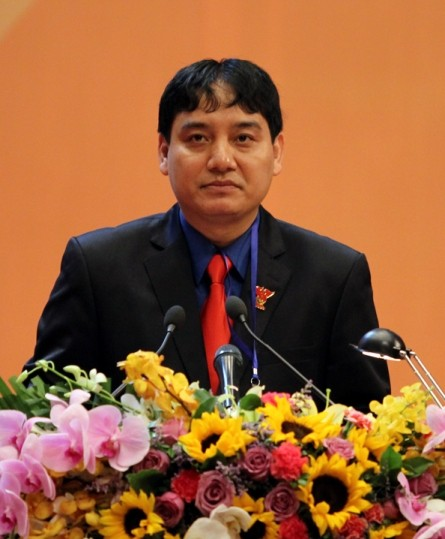Bí thư thứ nhất Trung ương Đoàn báo cáo trước Lãnh đạo Đảng, Nhà nước và Đại biểu tại Đại hội