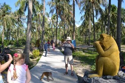 images824472 daokhi 1 - Suối Hoa Lan và Đảo Khỉ giảm 30% giá vé dịp 26-3