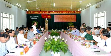 Phó Thủ tướng Nguyễn Xuân Phúc làm việc tại TP. Cam Ranh