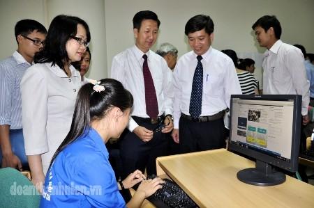 """DSC0274a - Phát động cuộc thi trực tuyến: """"Tuổi trẻ học tập và làm theo tấm gương đạo đức Hồ Chí Minh"""""""