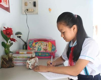 Không chỉ là liên đội trưởng năng động, Mai Huyên còn là học sinh giỏi.