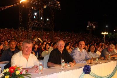 images851177 5 1 - Những hình ảnh về Lễ bế mạc Festival Biển 2013