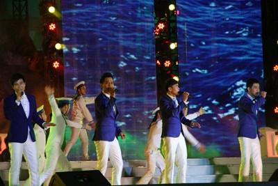 images851180 9 1 - Những hình ảnh về Lễ bế mạc Festival Biển 2013