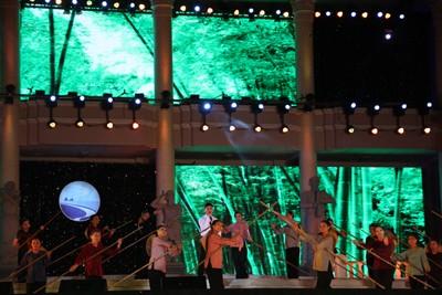 images851185 13 1 - Những hình ảnh về Lễ bế mạc Festival Biển 2013