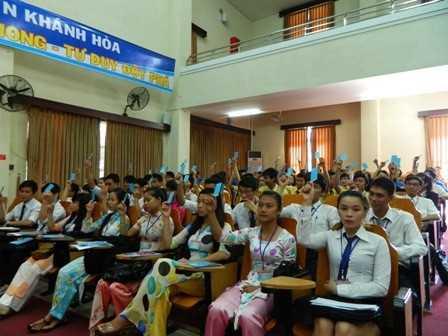 images dh hsv 2013 1 - Đại hội Hội Sinh viên Việt Nam tỉnh Khánh Hòa lần thứ II, nhiệm kỳ 2013 - 2018, phiên thứ nhất