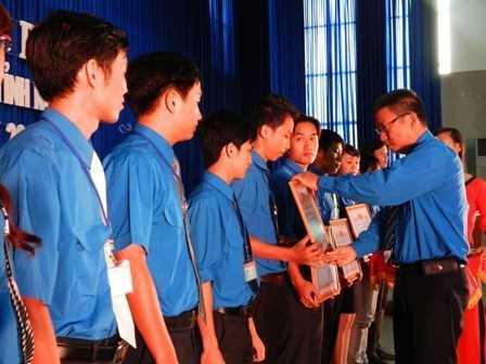 images dh hsv 2013 38 - Đồng chí Nguyễn Văn Nhuận được tái chọn cử giữ chức danh Chủ tịch Hội Sinh viên Việt Nam tỉnh Khánh Hòa khóa II (2013 - 2018)