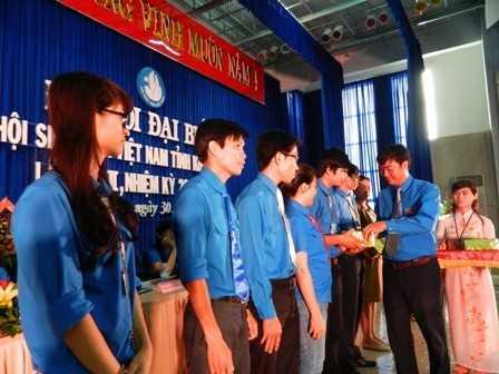 images dh hsv 2013 40 - Đồng chí Nguyễn Văn Nhuận được tái chọn cử giữ chức danh Chủ tịch Hội Sinh viên Việt Nam tỉnh Khánh Hòa khóa II (2013 - 2018)