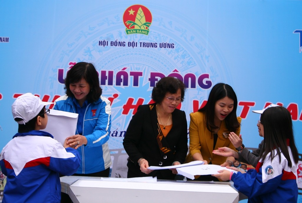 """7398 1 - Hội đồng Đội Trung ương: Phát động cuộc thi """" Tự hào Việt Nam"""""""