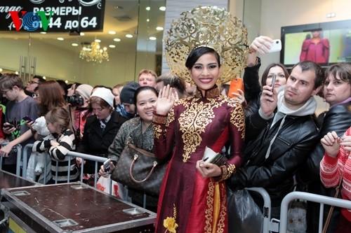 IMG 0816 1 - Trương Thị May rạng rỡ trình diễn áo dài ở Hoa hậu Hoàn vũ