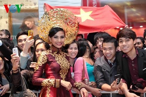 IMG 0855 1 - Trương Thị May rạng rỡ trình diễn áo dài ở Hoa hậu Hoàn vũ