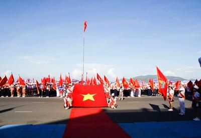 images949789 NTDD  8  1 - Nha Trang: Hơn 3.500 học sinh tham gia duyệt đội ngũ và diễu hành nghi thức Đội