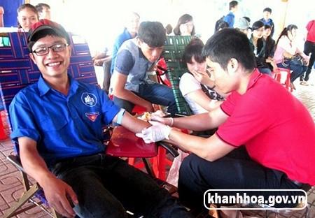 Ngày hội thanh niên hiến máu tình nguyện: Tiếp nhận 300 đơn vị máu từ 400 tình nguyện viên