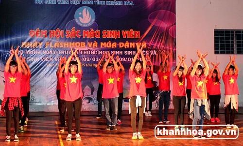 """Thi20nhE1BAA3y20flashmod20287 129 - 400 sinh viên tham gia """"Đêm hội sắc màu sinh viên Khánh Hòa"""""""