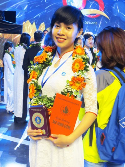 """Phùng Thùy Anh tại lễ trao giải """"Sao tháng Giêng"""" do  Trung ương Hội Sinh viên Việt Nam tổ chức. (Ảnh do nhân vật cung cấp)"""