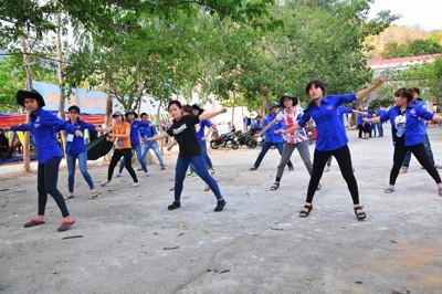 Tập nhảy chuẩn bị cho các phần thi.