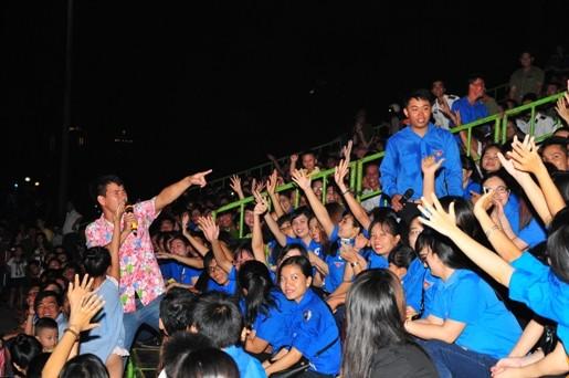 """Xuan20Bac20Giao20luu 1 - Sôi nổi chương trình giao lưu nghệ thuật """"Thanh niên tham gia xây dựng văn minh đô thị"""""""
