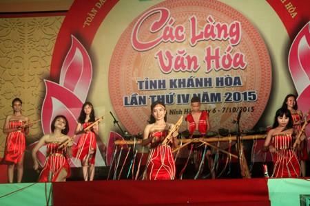 Làng Văn hóa Suối Cá (xã Khánh Trung, Khánh Vĩnh) mang đến liên hoan nhiều nét văn hóa truyền thống độc đáo