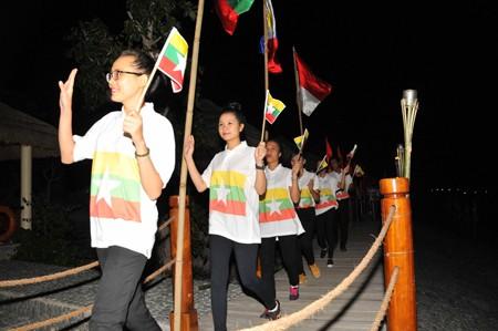 images1106446 dieuhanh4 1 - Sôi nổi Hội trại ASEAN+1