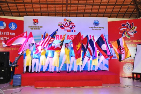 images1106450 vannghe1 1 - Sôi nổi Hội trại ASEAN+1