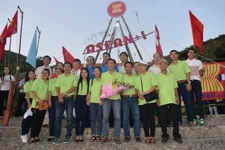 images chup hinh 37dd5 - Sôi nổi Hội trại ASEAN+1