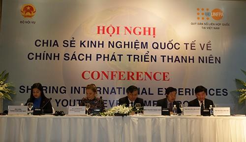 """vba 2413 1 - Hội nghị """"Chia sẻ kinh nghiệm quốc tế về chính sách phát triển thanh niên"""""""