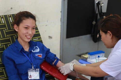 HMND20162011 1 - Đoàn Thanh niên Trường Cao đẳng Y tế Khánh Hòa tổ chức ngày hội hiến máu tình nguyện