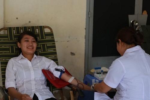 HMND2016203 1 - Đoàn Thanh niên Trường Cao đẳng Y tế Khánh Hòa tổ chức ngày hội hiến máu tình nguyện