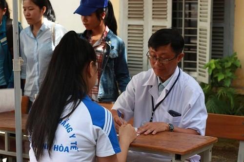 HMND2016204 1 - Đoàn Thanh niên Trường Cao đẳng Y tế Khánh Hòa tổ chức ngày hội hiến máu tình nguyện