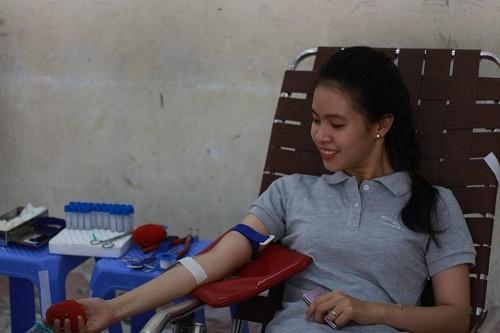 HMND2016209 1 - Đoàn Thanh niên Trường Cao đẳng Y tế Khánh Hòa tổ chức ngày hội hiến máu tình nguyện