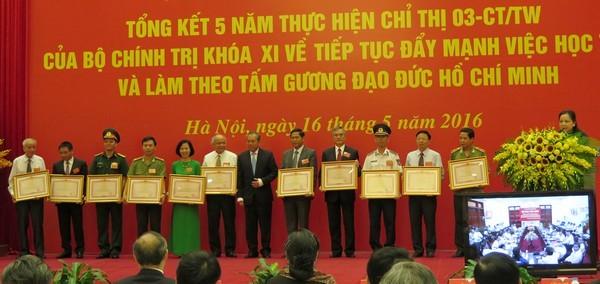 Chỉ thị của Bộ Chính trị về đẩy mạnh học tập và làm theo tư tưởng, đạo đức, phong cách Hồ Chí Minh