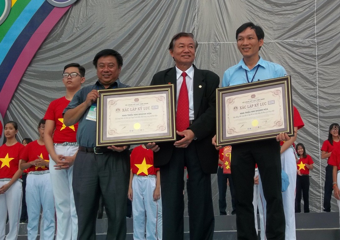 nha thieu nhi Khanh Hoa201 kyluc vn - Gần 5000 thiếu nhi tham gia xác lập Kỷ lục Việt Nam tại Festival Thiếu nhi toàn quốc