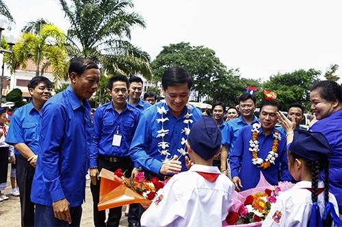 0570 - Tạo mọi điều kiện để đoàn viên, sinh viên Lào - Việt Nam được hợp tác, trao đổi kinh nghiệm