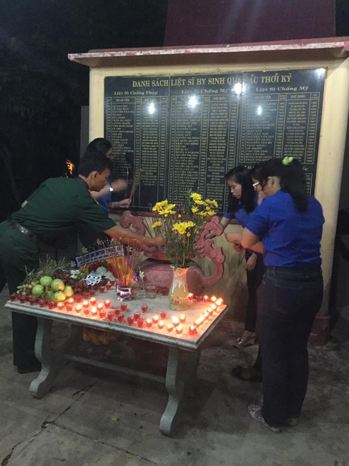 Đoàn phường Phước Hải tổ chức thắp nến tri ân các Anh hùng - Liệt sỹ và phát quà cho các gia đình chính sách, gia đình có công với cách mạng.