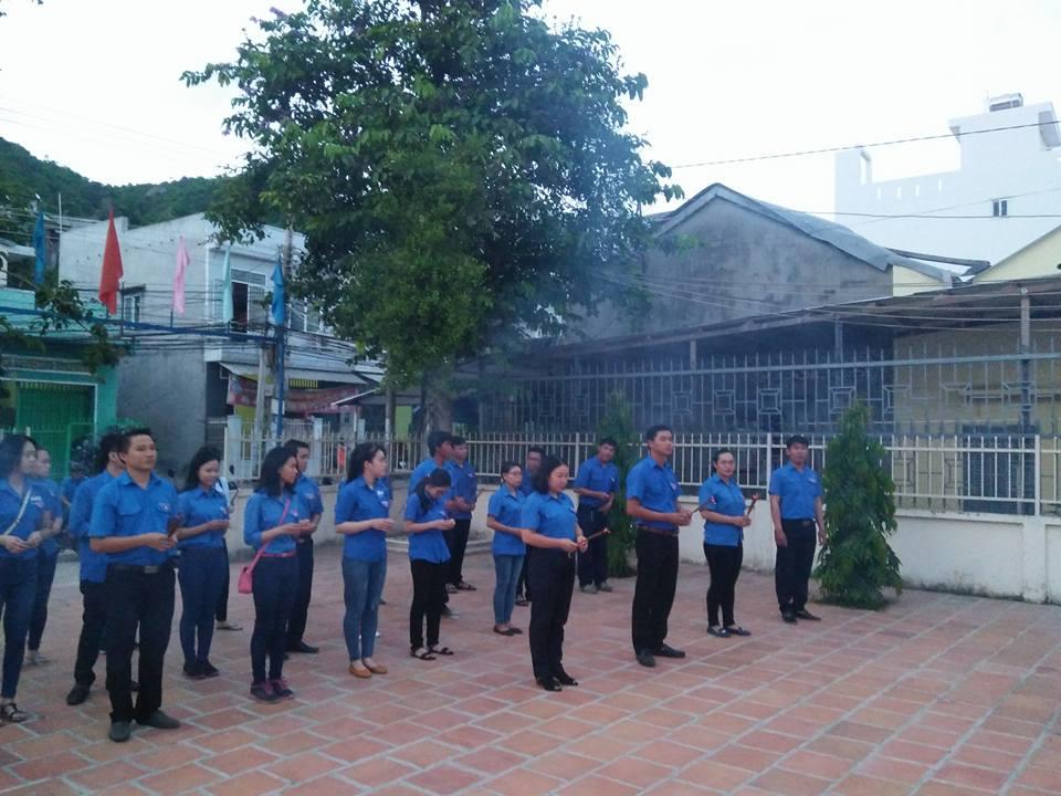 Đoàn phường Vĩnh Phước tổ chức thắp nến tri ân các anh hùng liệt sỹ