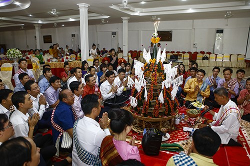 1506 - Thắm tình hữu nghị thanh niên hai nước Việt Nam - Lào
