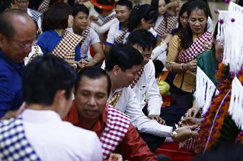 1537 - Thắm tình hữu nghị thanh niên hai nước Việt Nam - Lào