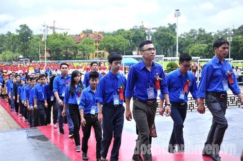 DSC0267 445 đại biểu thanh niên tiên tiến báo công dâng Bác