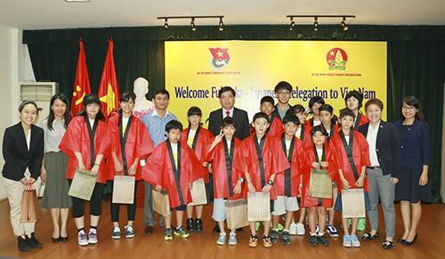 vba 8784 - Gặp mặt thiếu nhi Nhật Bản thăm giao lưu tại Việt Nam