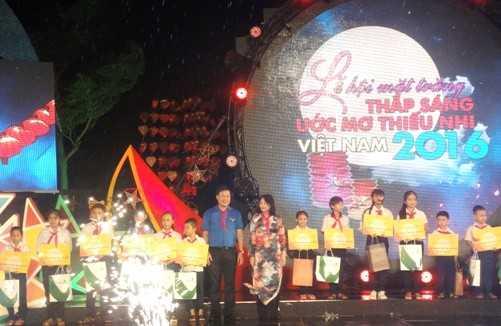 DSC07295 - Lễ hội mặt trăng 2016 - Thắp sáng ước mơ thiếu nhi Việt Nam
