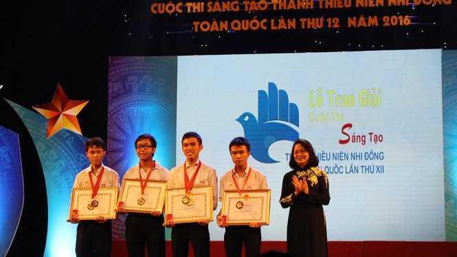 traogiai8 Phát động Cuộc thi Sáng tạo thanh thiếu niên, nhi đồng toàn quốc lần thứ XIII năm học 2016-2017
