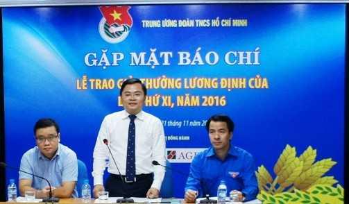 0000000000002 - 85 gương thanh niên nông thôn nhận Giải thưởng Lương Định Của lần thứ XI
