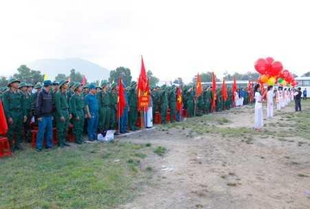 Quang cảnh ngày hội giao quân ở Ninh Hòa