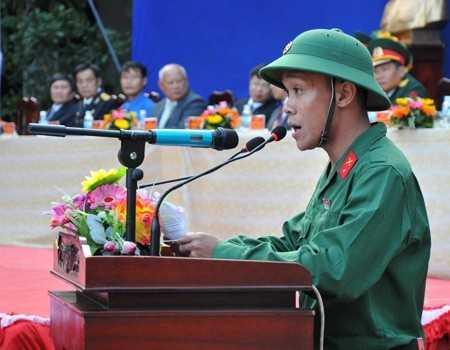 Đại diện 204 thanh niên Cam Lâm lên đường nhập ngũ, tân binh Nguyễn Huỳnh Sơn phát biểu cảm nghĩ trước giờ lên đường