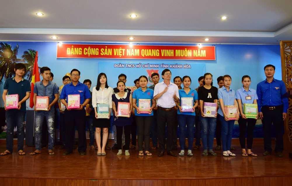 """images_2017_ngay_doan_vien_dsc_0341_72364 Sôi nổi hoạt động trong """"Ngày đoàn viên"""" đồng hành cùng thanh niên công nhân và người lao động năm 2017"""